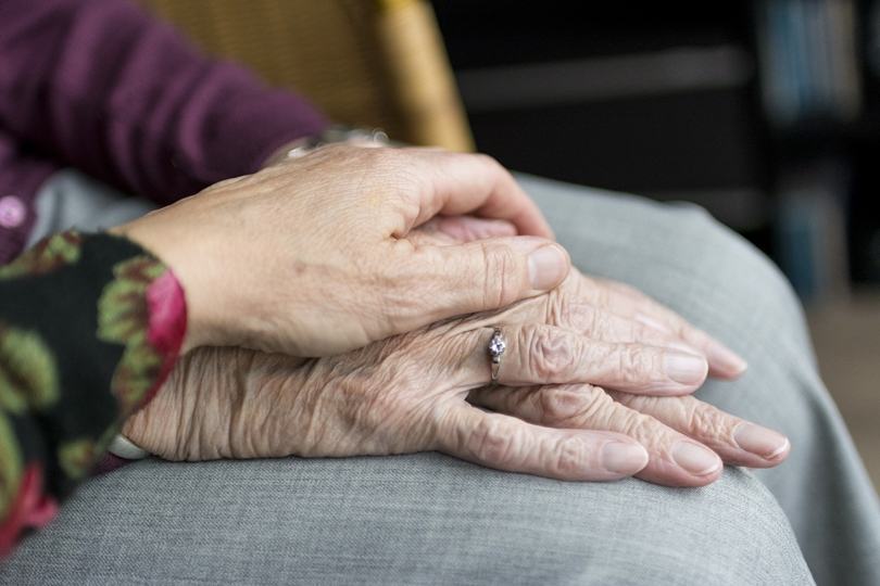 Is It Time to Appoint a Guardian or Trustee for Your Aging Parent?